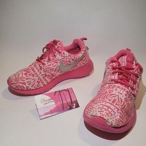 Nike Roshe Run Size 5Youth 6.5W